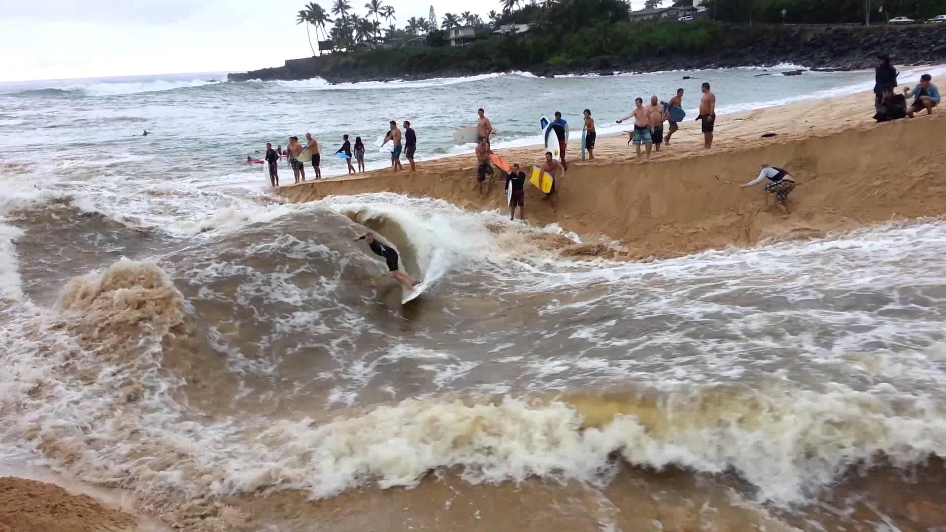 waimea-surfing