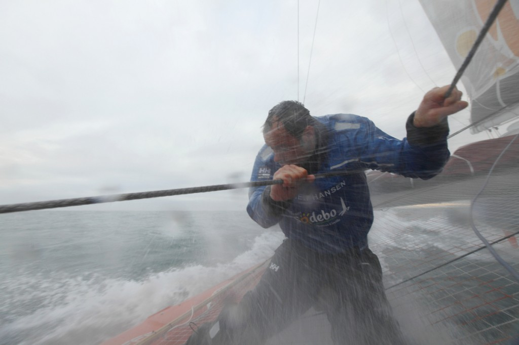 Thomas Coville and the trimaran Sodebo rallied Brest on Friday 14 January, where they will set off for another record attempt around the world alone..Sail number : 34.LOA : 31 m 97.Beam : 16 m 55.Water draught : 2 m 50.Mast : 35 m.Displacement : 12 T.Sail