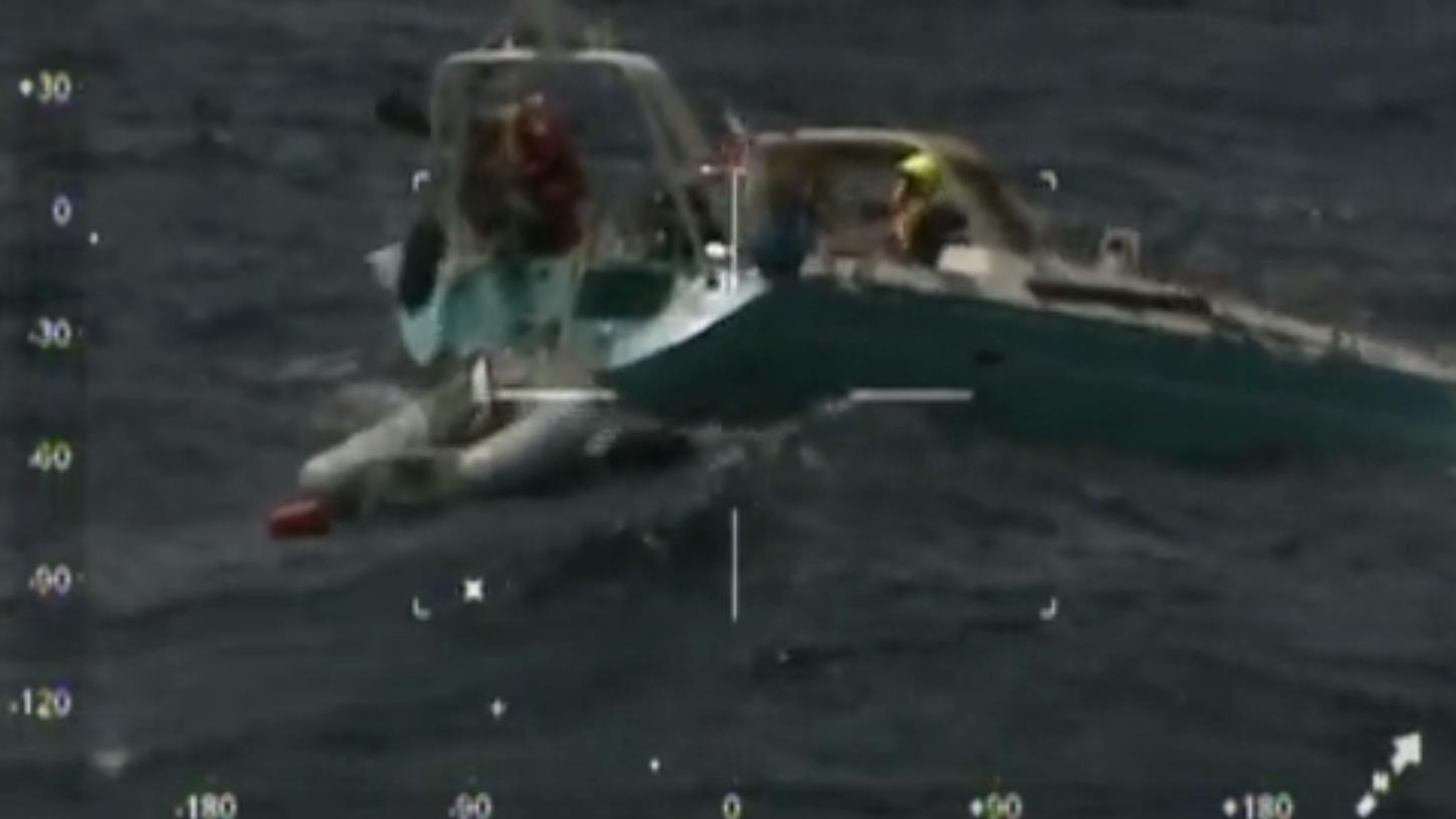 salvataggio-uomini-barca
