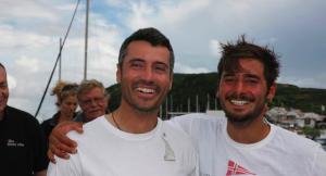 Giancarlo Pedote (a sinistra) assieme a Michele Zambelli alla fine della prima tappa della Les Sables-Azzorre