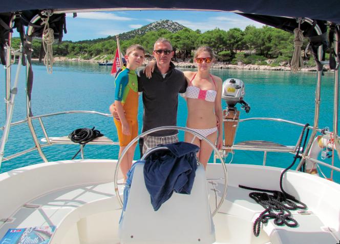 Michele, con i due figli, Sofia e Jacopo