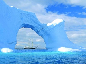 antarctic_sailing