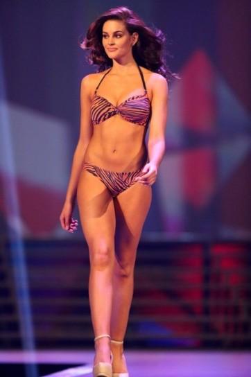 Rolene Strauss sfila al concorso di Miss Mondo