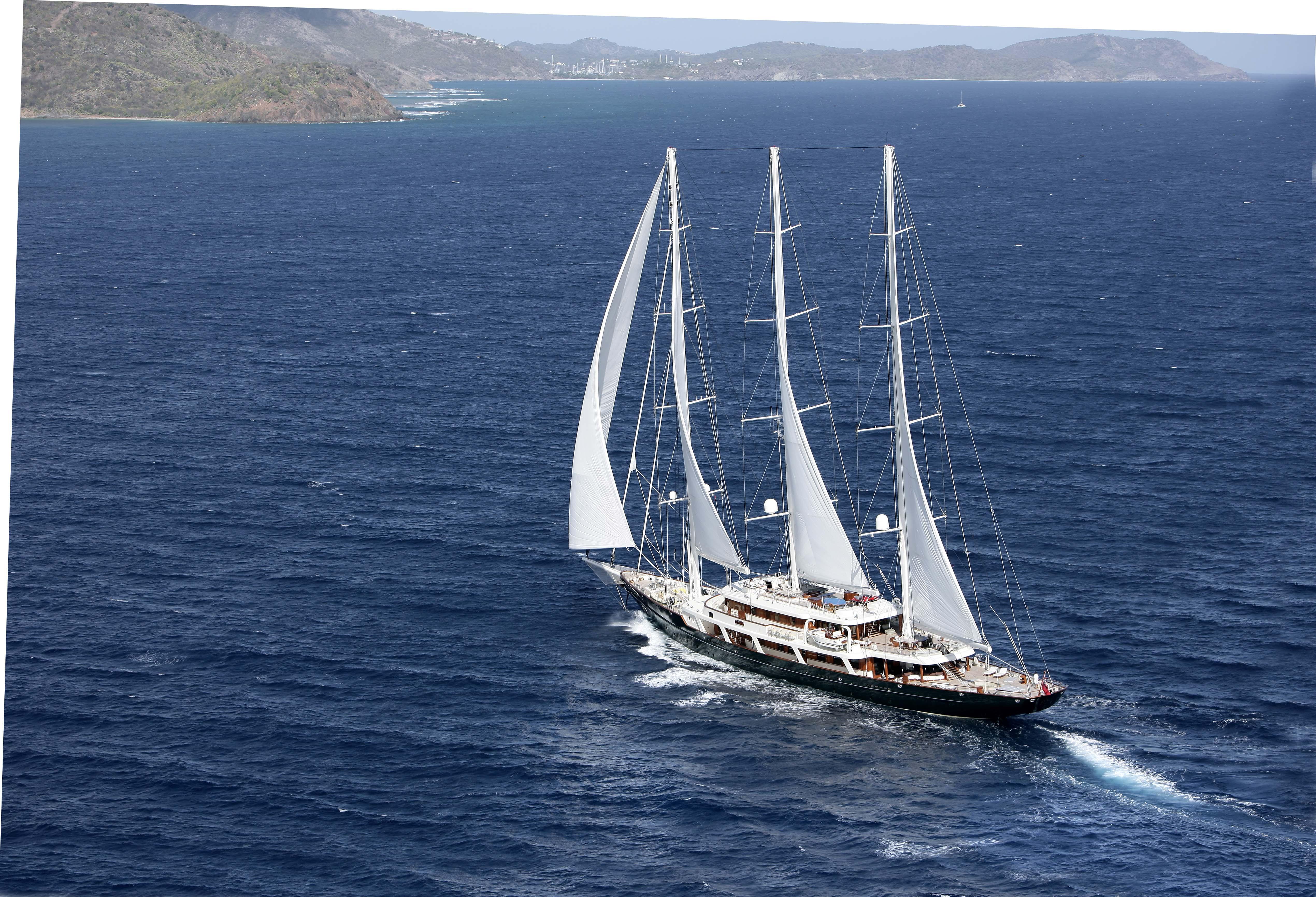 Foto la top five delle barche a vela pi grandi del mondo for Barche al largo con cabine