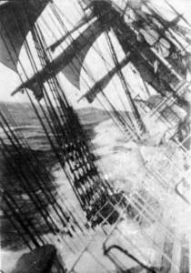 Passaggio a Capo Horn a bordo di un veliero non identificato