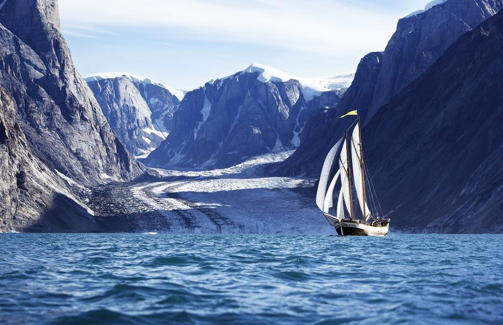 1k-sail-past-glacier
