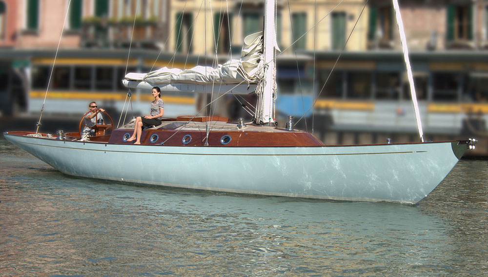 james-bond-yacht-02-1