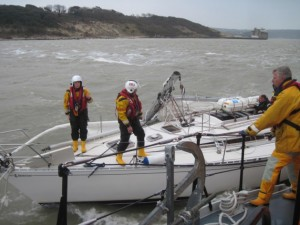 WEB_RNLI_Crew_render_assistance_to_dismasted_yacht_RNLI_Rob_Scott-630x472