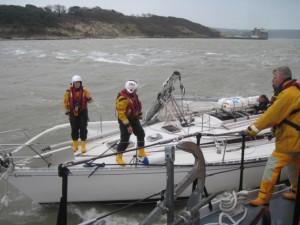WEB_RNLI_Crew_render_assistance_to_dismasted_yacht_RNLI_Rob_Scott-630x472