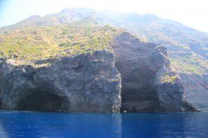 filicudi grotta del bue marino