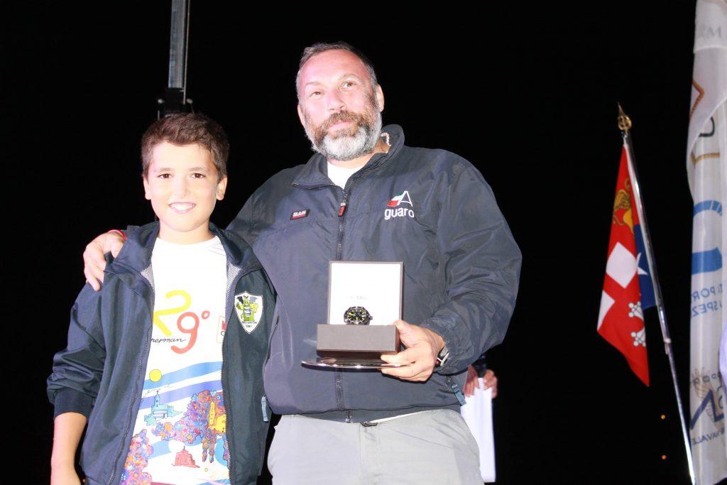 Mattteo Guareschi di Enigma è il vincitore dell'orologio TAG Heuer Aquaracer estratto a sorte durante la premiazione