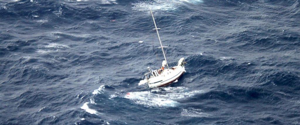 ap_boat_rescue_01_jef_140812_12x5_1600