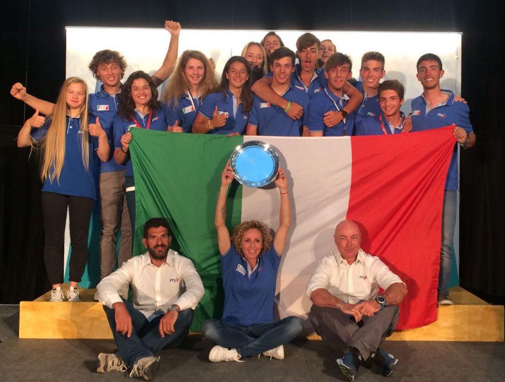 squadra-italiana-con-dt-e-tecnici
