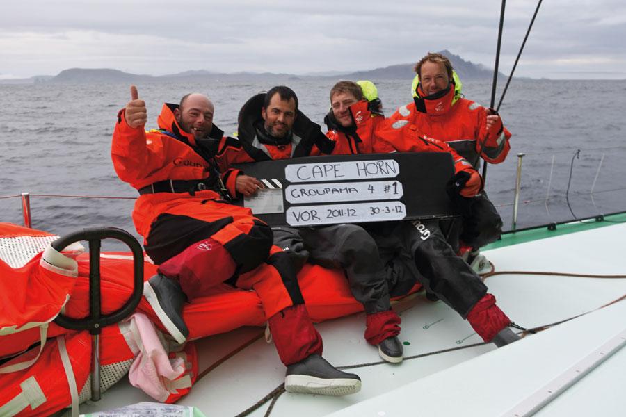 Soddisfazione e festeggiamenti al passaggio di Capo Horn su Groupama 4
