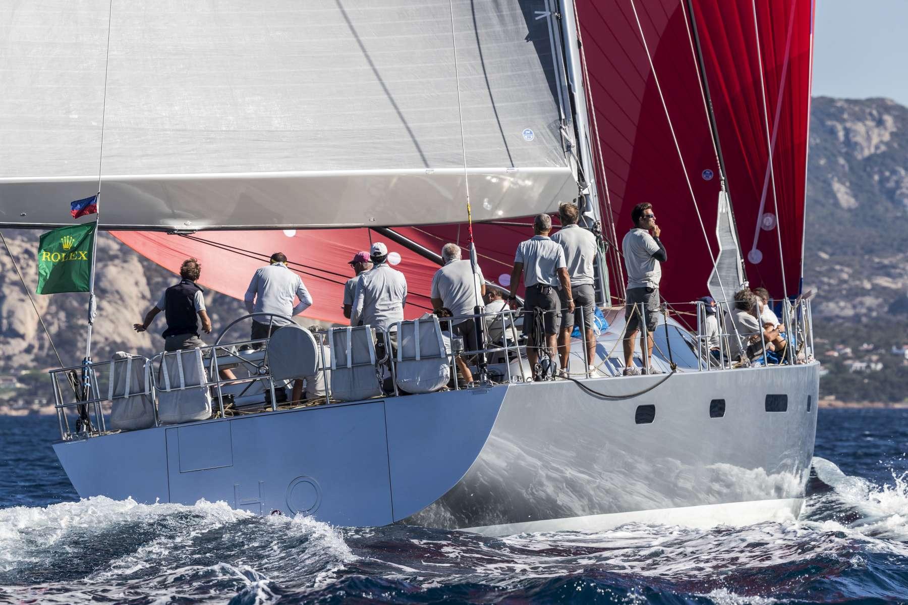 Maxi yacht rolex cup in sardegna party italiano sotto for Planimetrie di 1800 piedi quadrati
